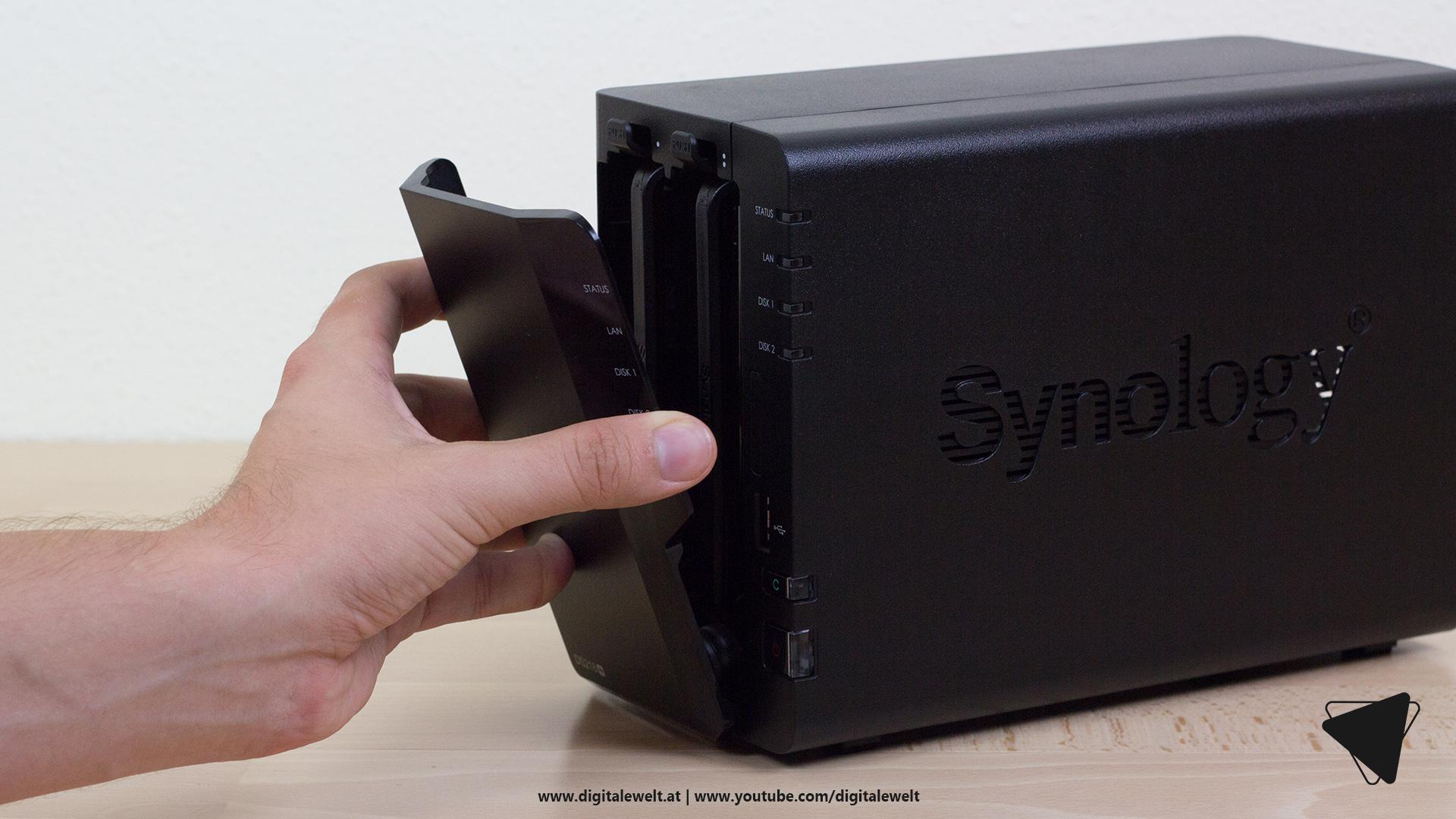 Synology DS218+ NAS - Abdeckung anbringen