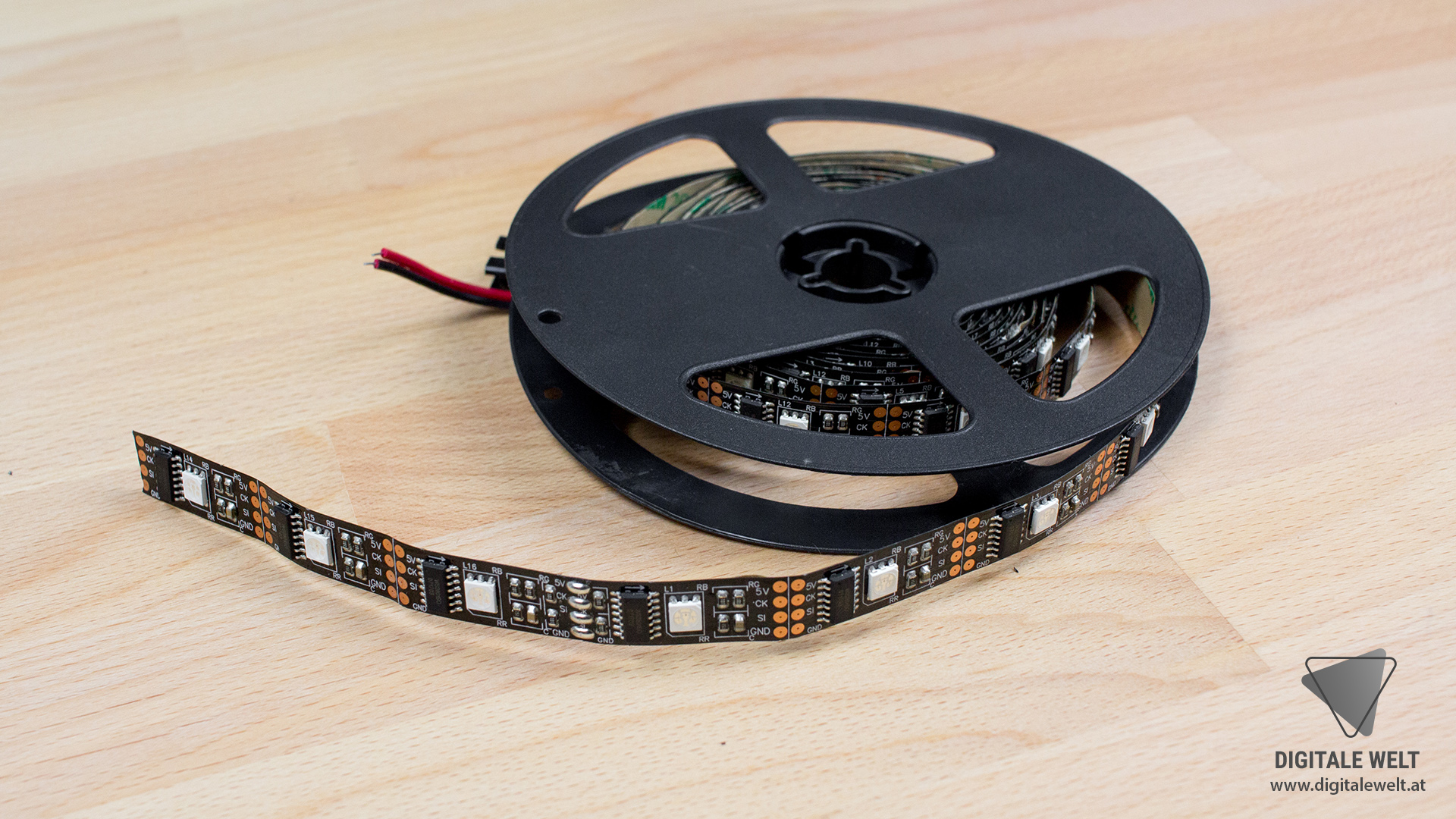 Ambilight ohne Löten - LED-Stripe WS2801 (DigitaleWelt)