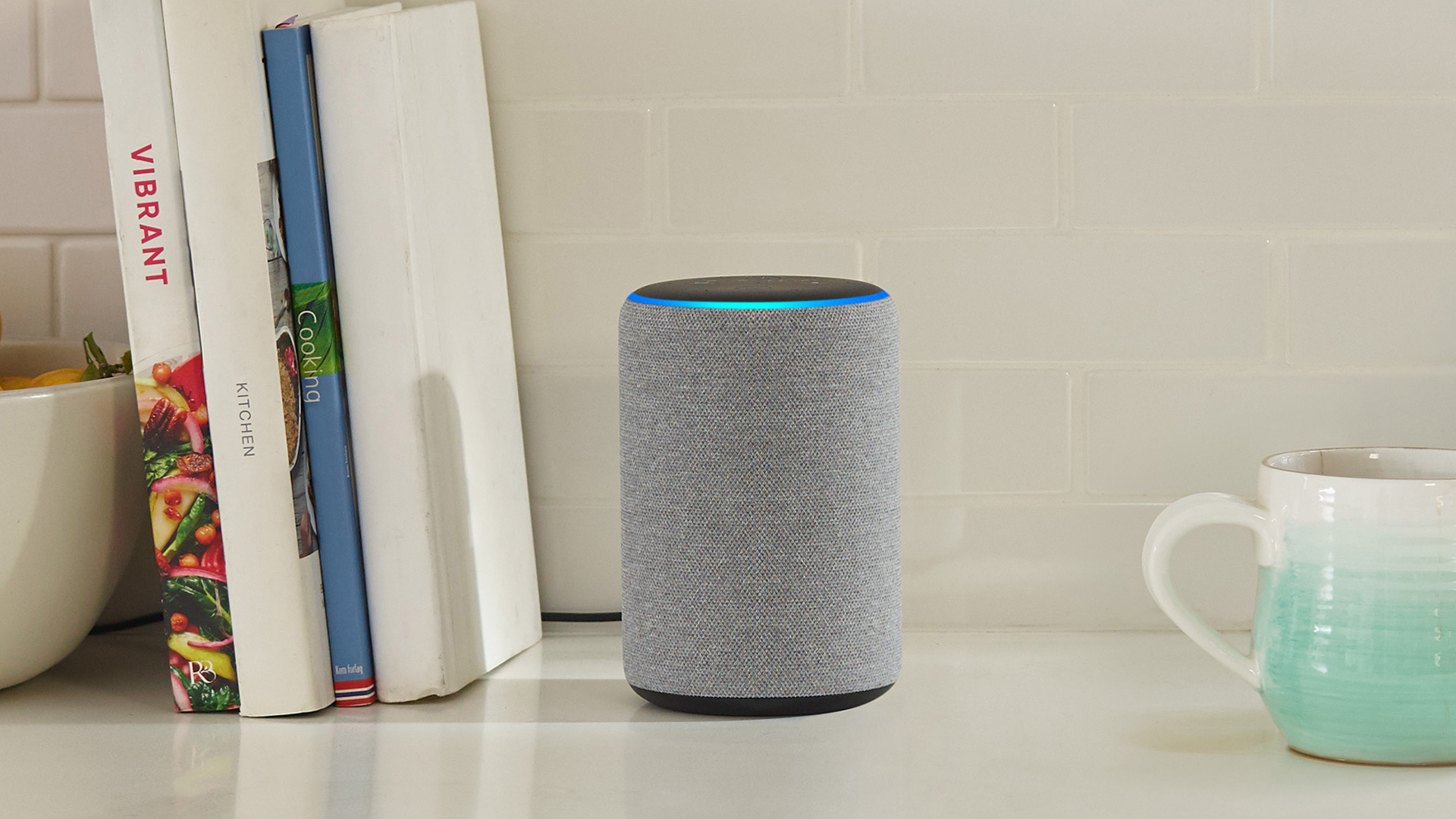Top 10 Smart Home Gadgets 2019 - Amazon Echo Plus (DigitaleWelt)