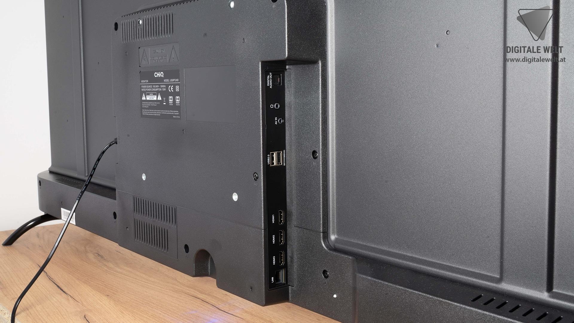 Anschlüsse des KAGIS 55 Zoll 4K UHD Smart TV (Hinterseite des Fernsehers) - Test